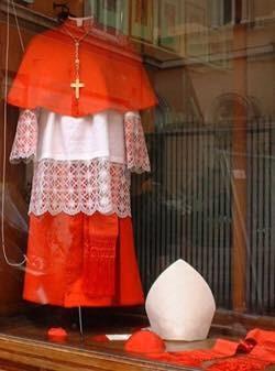 Tìm hiều Hồng Y Đoàn của Giáo hội Công giáo: Hồng Y là ai?