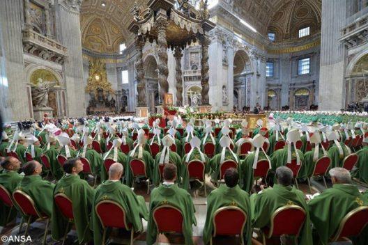 Thánh lễ bế mạc Thượng Hội Đồng Giám Mục thế giới .