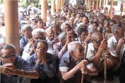 """Hơn 1.200 người mù lòa ở """"vương quốc hành tím"""" Vĩnh Châu, đâu là nguyên nhân?"""