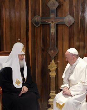 Đức Thánh Cha gặp Đức Thượng Phụ Chính Thống Nga