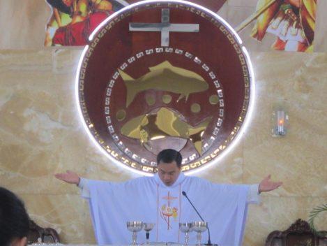 Thánh lễ:  Cầu cho ơn thiên triệu linh mục và tu sĩ