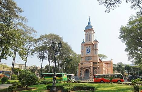 """Bí mật ngôi nhà thờ cổ trên """"đất vàng"""" giữa Sài Gòn"""