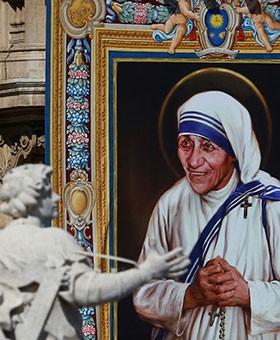 Sáu bài học từ Mẹ Têrêxa mà bạn có thể áp dụng trong cuộc sống