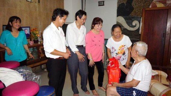 Ban điều hành Giáo khu 5 mừng thọ quý cụ cao niên