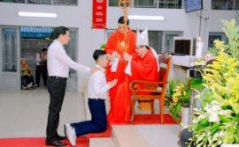 GX. Thánh Tống Viết Bường: Lãnh nhận Bí tích Thêm Sức
