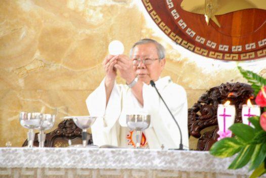 Thánh lễ Kính Mình và Máu Chúa Kitô